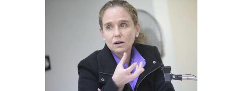 Claudia Cooper  fue elegida como presidente de PERUMIN 35