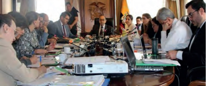 ECUADOR: AUTORIDADES PIDEN CONSULTA SOBRE ACTIVIDADES MINERAS EN SUS LOCALIDADES